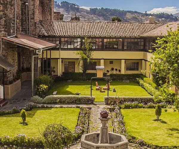 Hospedaje Monasterio de San Pedro - Chullitos Viajes